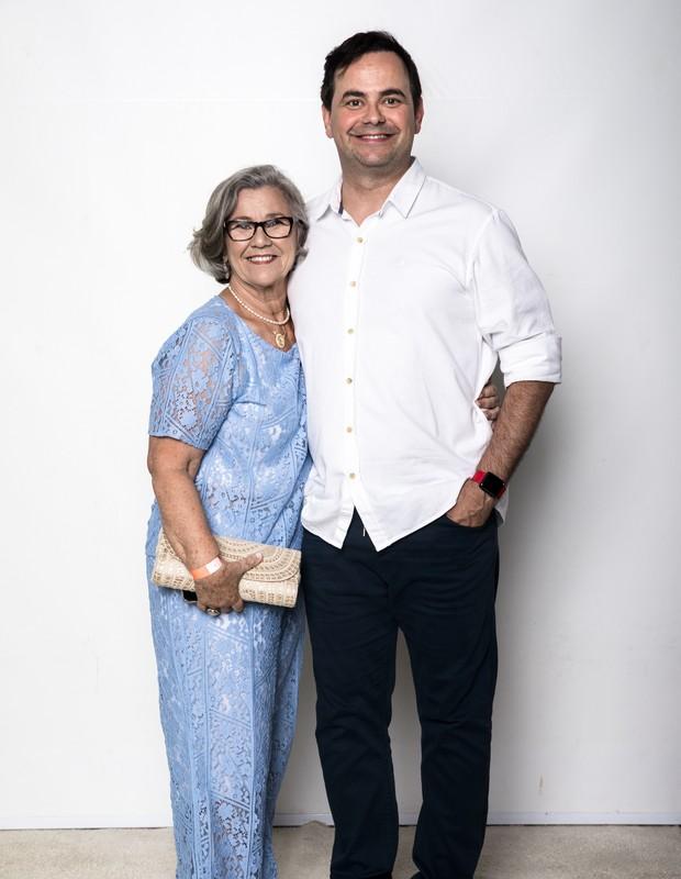 Carioca e a mãe Ildete (Foto: Globo/João Miguel Júnior)