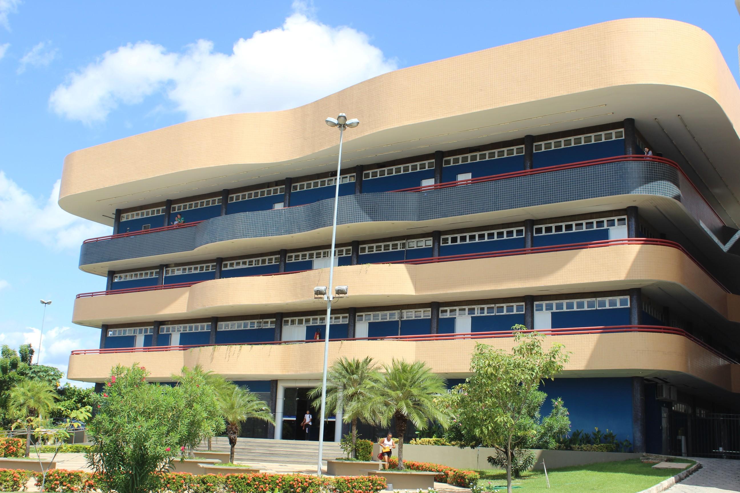 TCE notifica 130 municípios piauienses que extrapolaram limite de gastos com pessoal