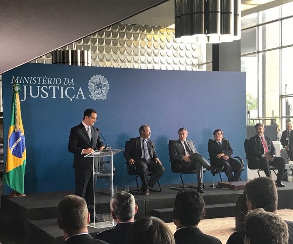 Rogério Galloro em discurso de posse no cargo de diretor-geral da PF (Foto: Marcus Barbosa/ G1)