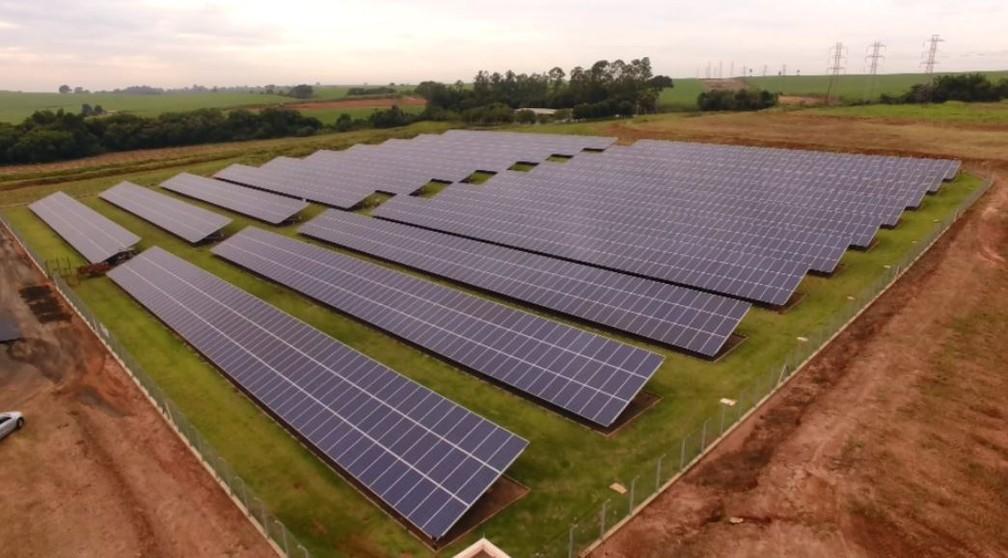 Cooperativa inaugura usina de energia solar em Bebedouro (SP)  — Foto: Reprodução/EPTV