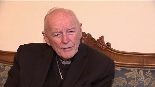 Ex-cardeal dos EUA acusado de abuso de menores é expulso pelo Vaticano