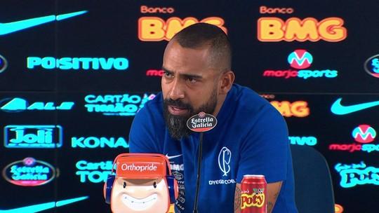 """Coelho elogia segundo tempo do Corinthians e valoriza ponto: """"Vamos encostando"""""""