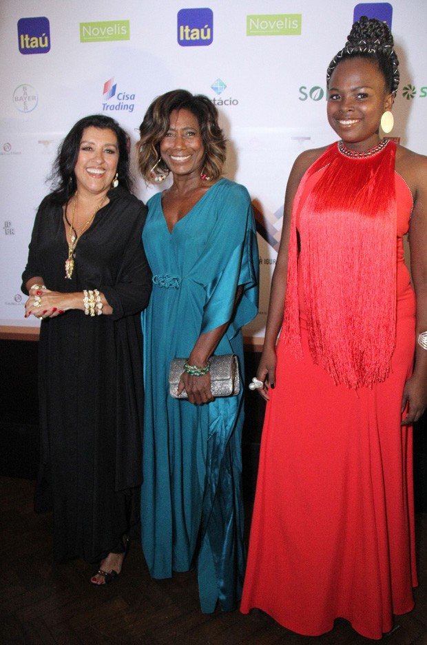 Regina Casé, Glória Maria e Luana Génot (Foto: Wallace Barbosa/AgNews)