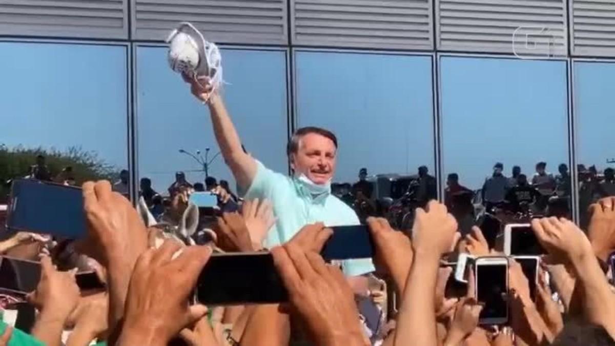 Em 1º evento público após se recuperar da Covid-19, Bolsonaro fica sem máscara em aglomeração – G1