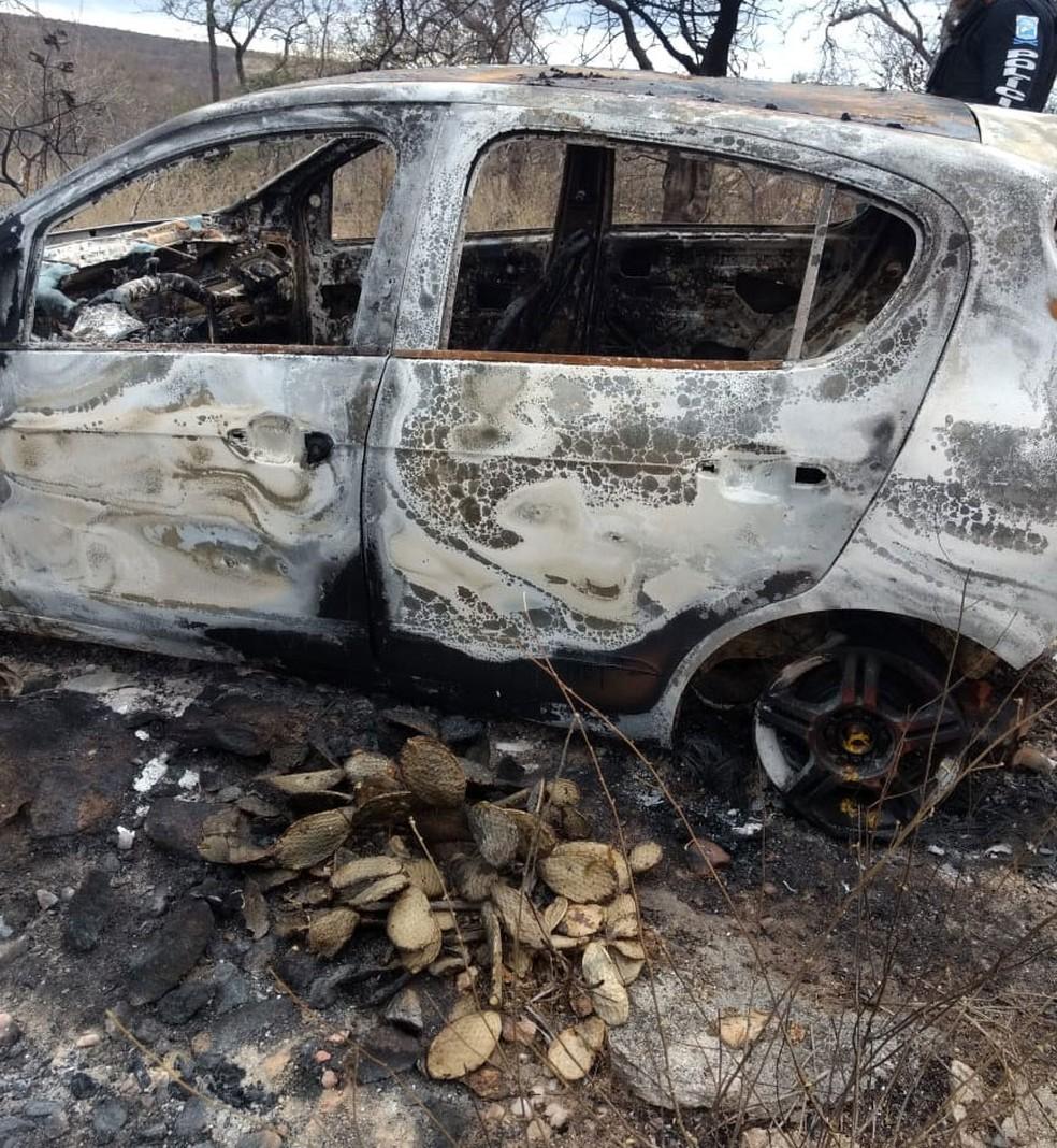 Corpos foram carbonizados — Foto: Divulgação/PM