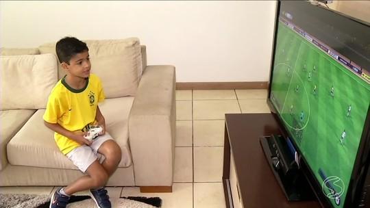 Menino de Barra Mansa é sorteado para entrar em campo com o Brasil na Copa