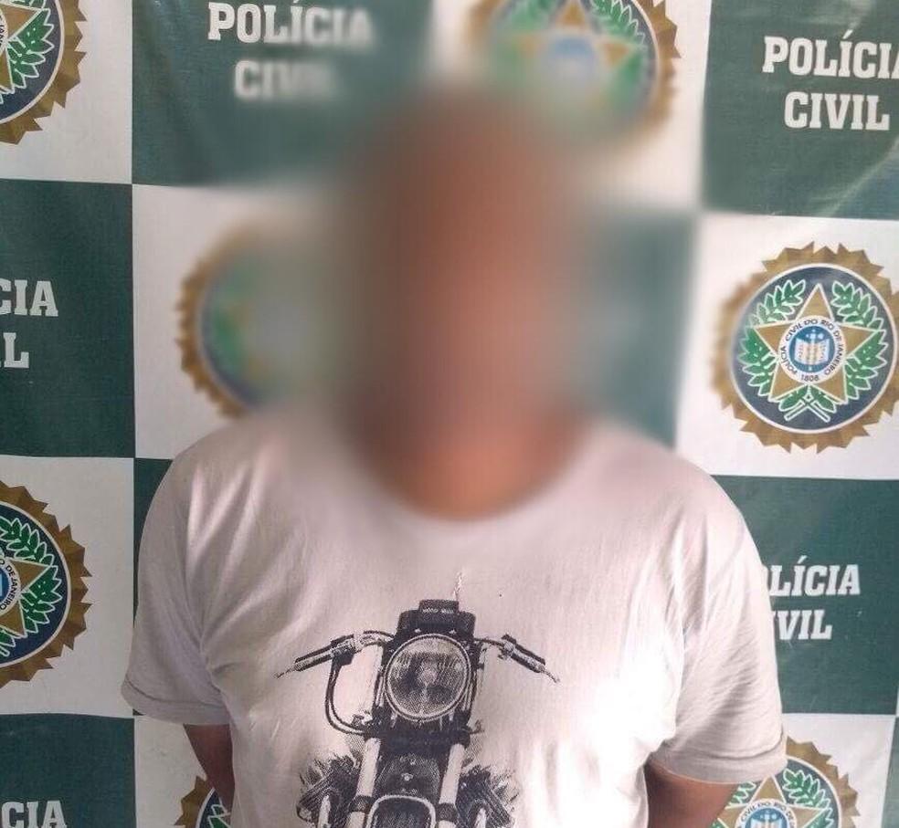 Suspeito de ter abusado da professora foi preso na quarta-feira (28) em Petrópolis (Foto: Polícia Civil | Divulgação)