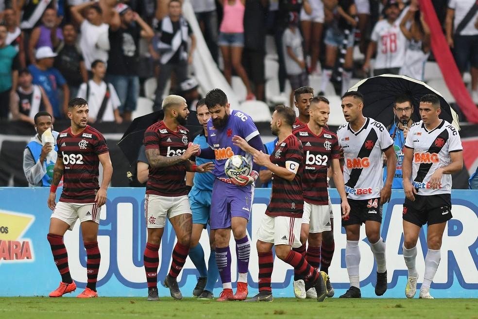 154c5239efd81 ... Primeiro jogo da final foi no Nilton Santos para pouco mais de 10 mil  presentes —