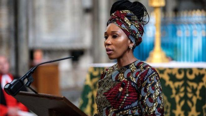 A neta de Mandela, Zamaswazi Dlamini-Mandela,  vivenciou o sofrimento gerado nas mulheres de sua família pelo apartheid (Foto: BBC)