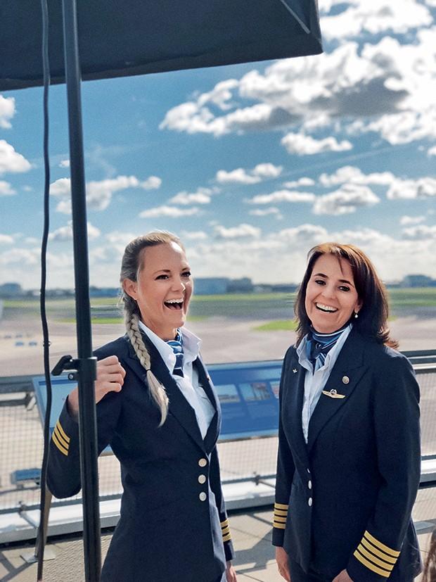 Work - Christa e Marlies, no aeroporto de Schiphol, em Amsterdã (Foto: Maria Laura Neves)