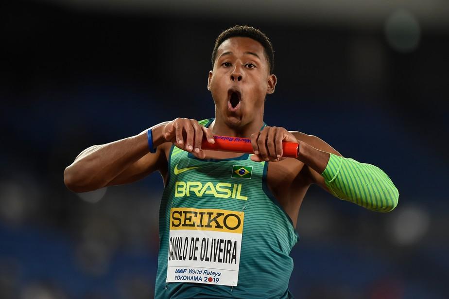 É campeão! Brasil vence EUA por dois centésimos e leva o título mundial do revezamento 4x100m