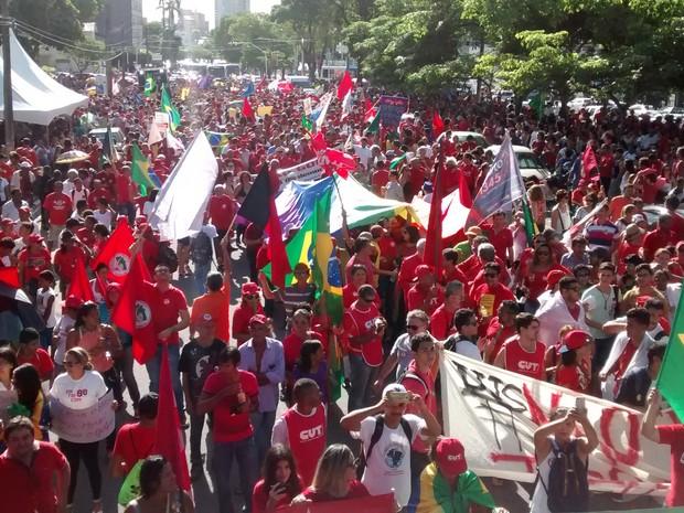 Protesto a favor de Dilma acontece em João Pessoa (Foto: André Resende/G1)