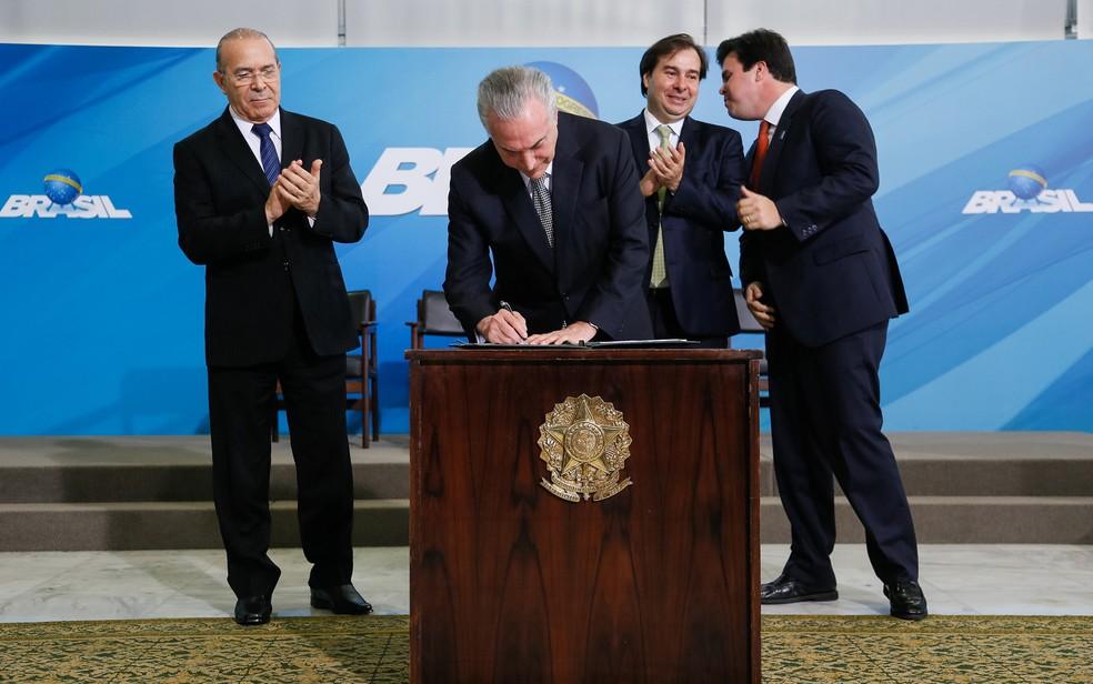O presidente Michel Temer participa do anúncio do Programa de Revitalização da Indústria Mineral Brasileira (Foto: Beto Barata/PR)