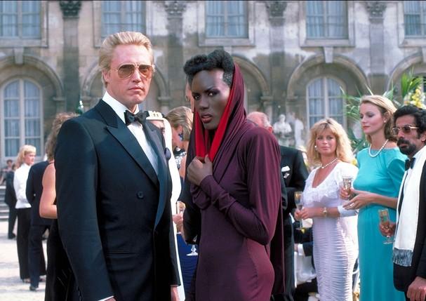 Grace Jones em 007 - Na Mira Dos Assassinos (1985) (Foto: Grace Jones; 007 - Na Mira Dos Assassinos)
