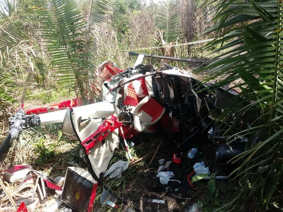 Três médicos e um policial civil morrem após queda de helicóptero entre as cidades de Morros e Rosário (Foto: Hugo Deleón/TV Mirante)