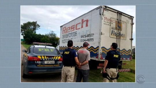 Motorista é flagrado no bafômetro e preso após procurar posto da PRF para buscar documentação em Rio Grande