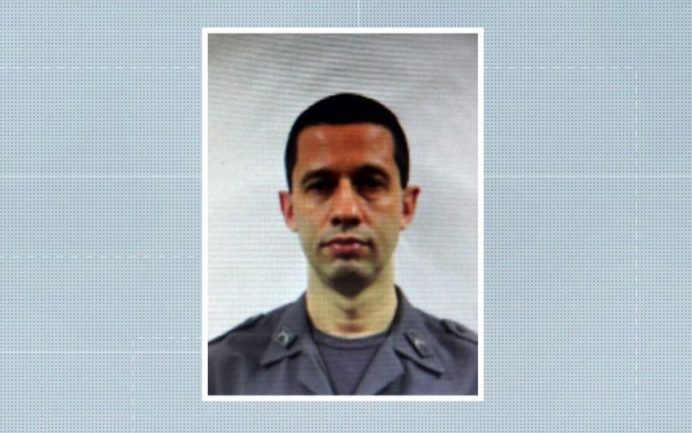 O policial Elton Ricardo Cunha morreu no tiroteio no ônibus (Foto: TV Globo/Reprodução)