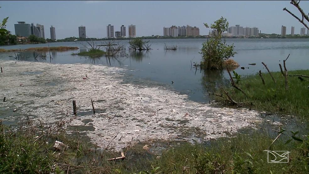 Lagoa da Jansen é um locais com maior intensidade de poluição de São Luís.  — Foto: Reprodução/TV Mirante