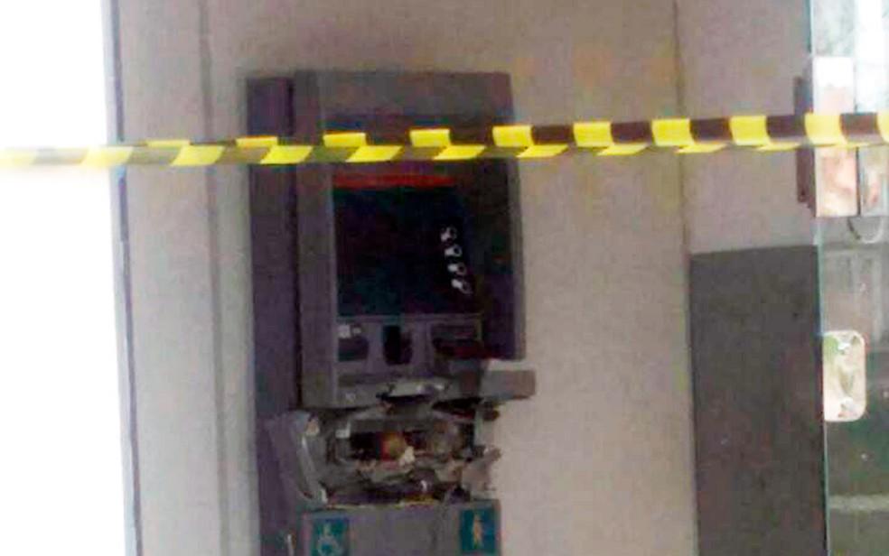 Polícia não soube informar se bandidos levaram dinheiro (Foto: Arquivo pessoal)