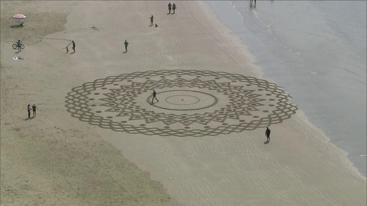 Morador muda o visual das praias da Baixada Santista