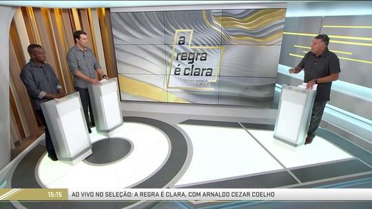 """""""A Regra é Clara"""": na análise da rodada, Arnaldo quase cai e Gaciba marca falta"""