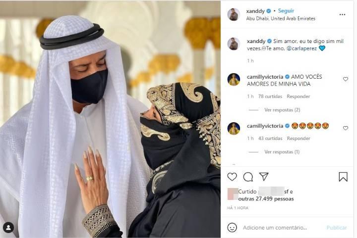 Nos Emirados Árabes, Xanddy aceita a 'sheikha' Carla Perez como eterna esposa: 'Eu te digo sim mil vezes'