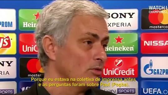 Mourinho abraça repórter e agradece por pergunta sobre substituto de Pogba