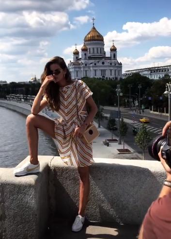 Izabel durante o shooting (Foto: Reprodução/Instagram)