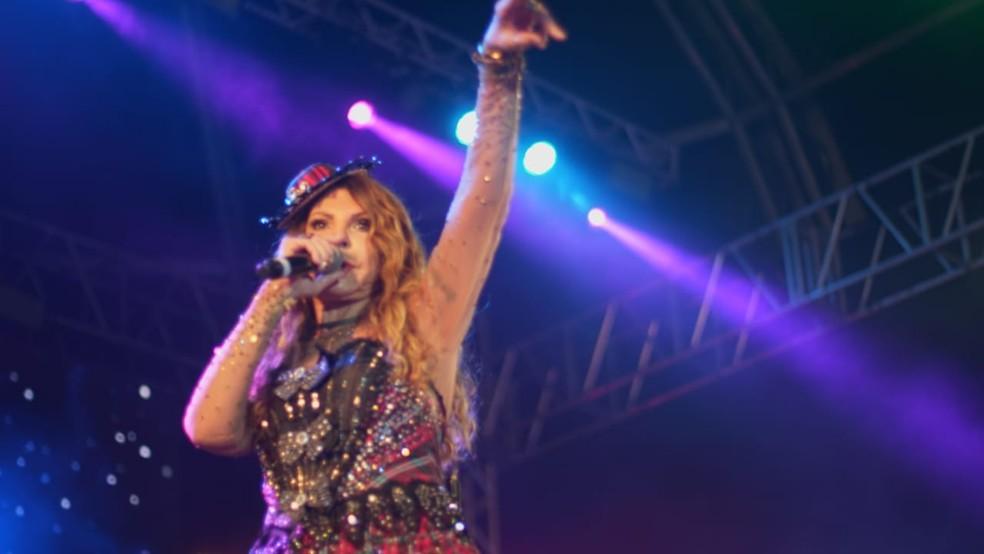 Show ocorreu na Praça do Forró, no centro de Santo Antônio de Jesus. — Foto: Jefferson Riccelli / Agência LK)