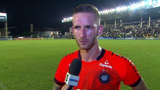 Após gol no último minuto, Léo Pereira enaltece poder de reação do Atlético-PR