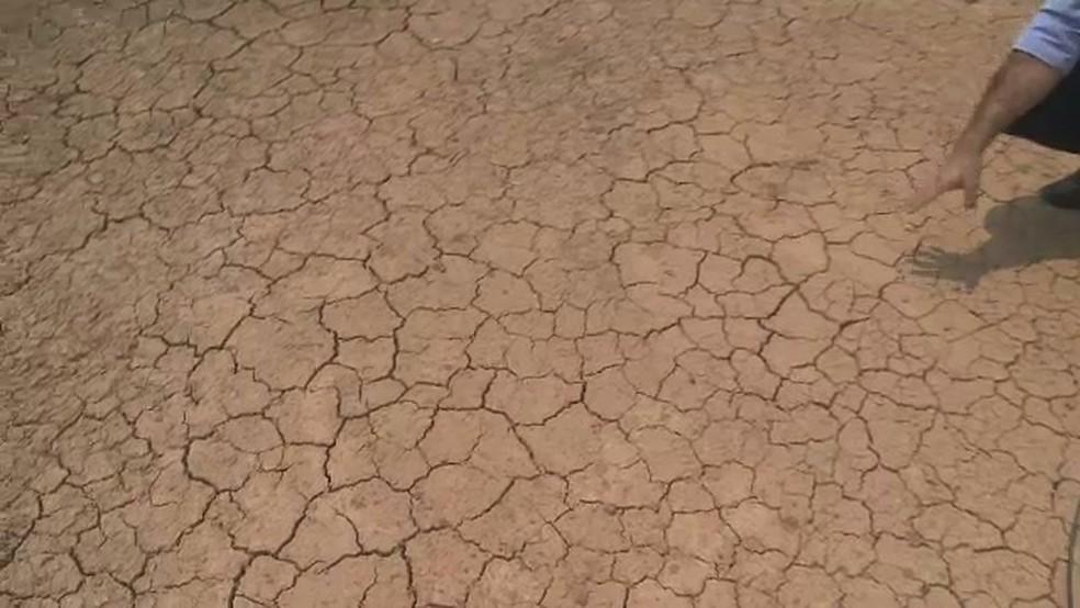 Reservatório de água no Bujari, interior do Acre, secou durante estiagem em 2017 — Foto: Reprodução Rede Amazônica Acre/Arquivo