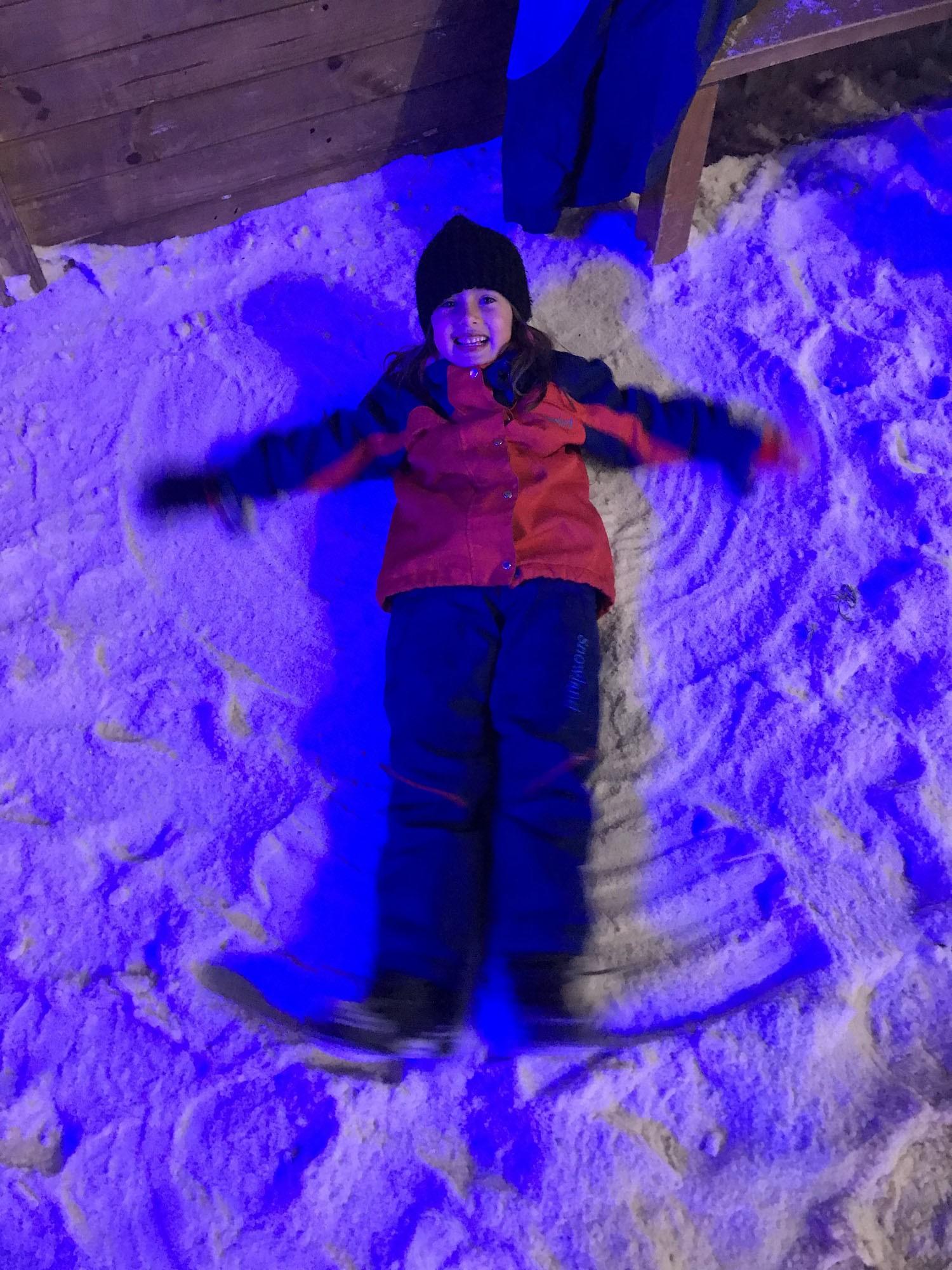 Julia na neve (Foto: Arquivo pessoal/ Bruno Côrtes)
