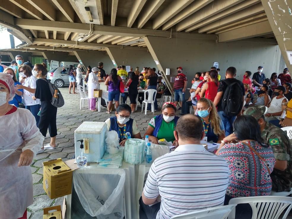 Sambódromo de Manaus é um dos pontos de vacinação contra a Covid neste sábado — Foto: Paulo Frazão/Rede Amazônica