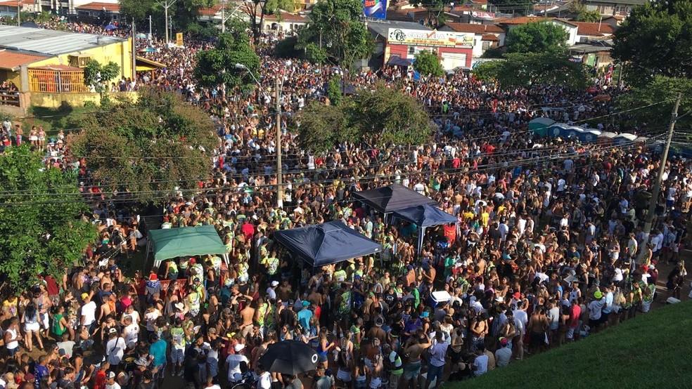 Multidão na City Banda, em Campinas (Foto: Arthur Menicucci)