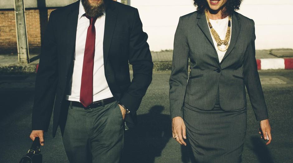 Dress code, empreendedor, casal, empresário, empresária (Foto: Reprodução/Pexel)