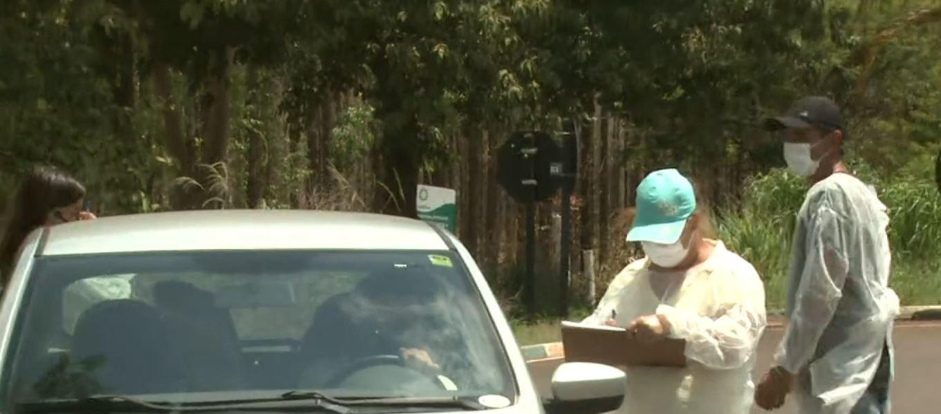Trabiju e Rincão têm barreiras sanitárias para evitar moradores de cidades com confinamento