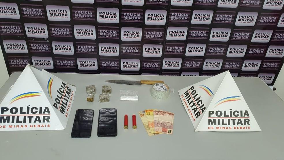 Material apreendido com os suspeitos — Foto: Polícia Militar/Divulgação
