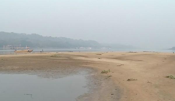 Com estiagem, nível do rio Paraguai, no Pantanal caiu e vários bancos de areia apareceram no leito — Foto: Reprodução/TV Morena