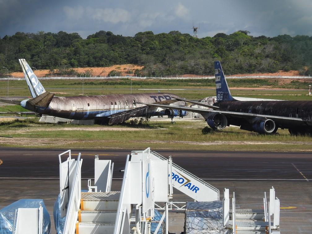 Sete empresas de aviação são responsáveis pelos aviões que estão abandonados no aeroporto. — Foto: Patrick Marques/G1 AM