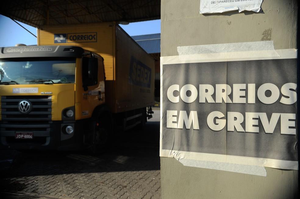 Greve dos Correios acaba nesta segunda-feira (8) (Foto: Fernando Frazão/Agência Brasil)