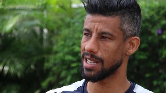 """Léo Moura finca raízes no Sul e equipara Grêmio a Fla em sua carreira: """"É parelho"""""""