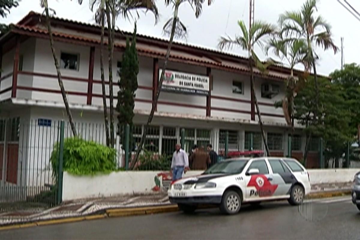 Mãe é presa por omissão após idoso estuprar suas filhas em Santa Isabel