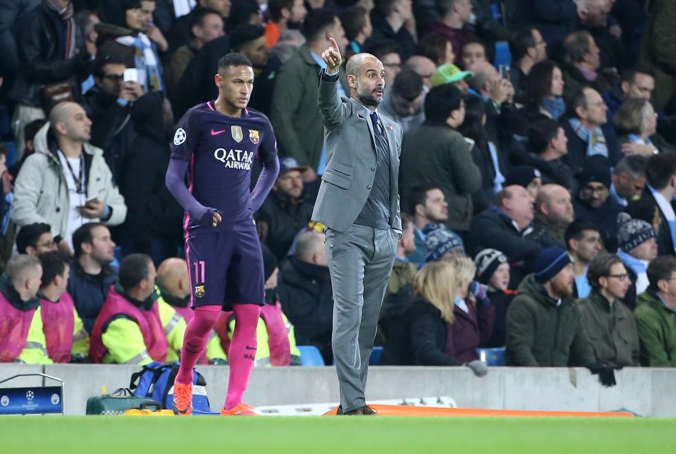Neymar e Guardiola em encontro pela Champions em 2016/17 — Foto: Jean Catuffe/Getty Images
