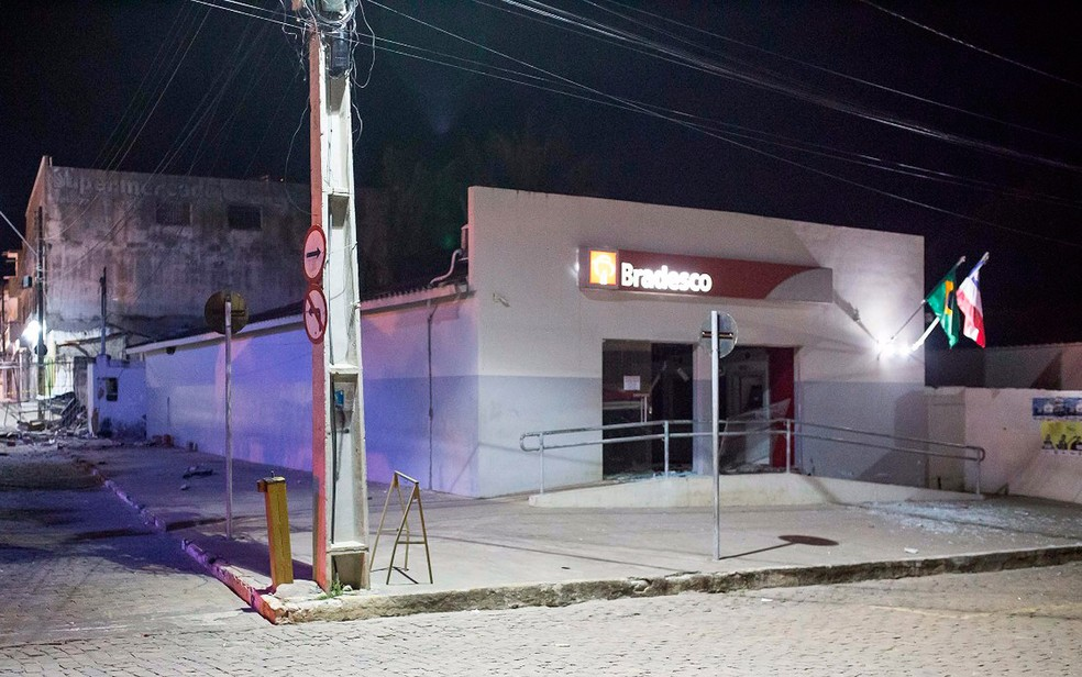 Agência era a única da cidade que oferecia o serviço de saque de dinheiro (Foto: Polícia Civil/ Divulgação)