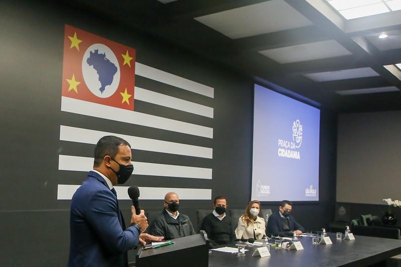 Governo de SP assina convênio para instalação de Praça da Cidadania em Santos e Cubatão
