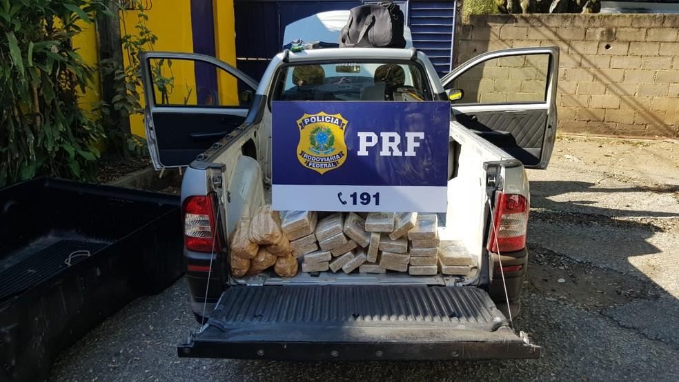 28 kg de pasta base foram apreendidas em Três Rios — Foto: Divulgação/PRF
