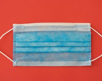 Higienizar máscaras de nanofibra com álcool permite que sejam reutilizadas