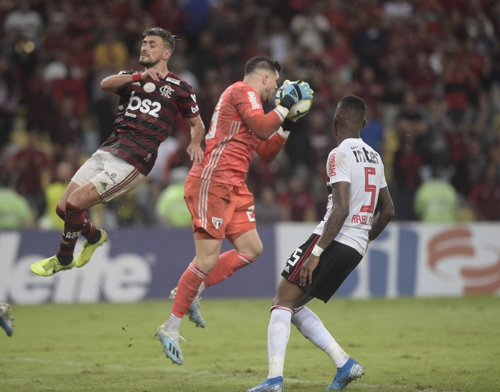 Tiago Volpi foi um dos destaques do São Paulo no último sábado — Foto: André Durão, GloboEsporte.com