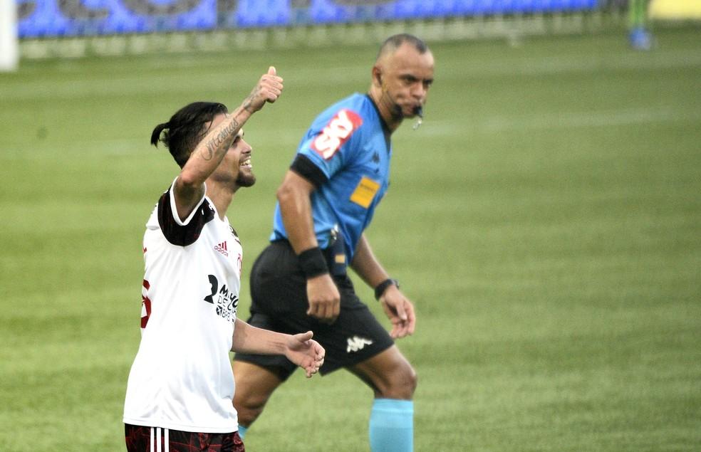 Com vários desfalques no time, Michael festeja vitória do Flamengo: Mostra a força do grupo
