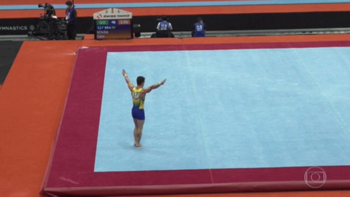 Caio Souza se classifica para duas finais no Mundial de Ginástica Artística